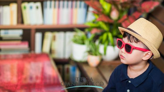 Occhiali da sole per bambini: quanto sono importanti?